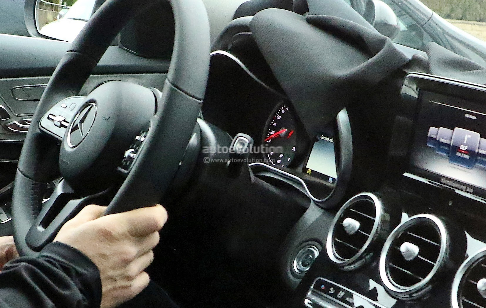 2018 Mercedes-Benz C-Class Facelift Shows Interior For The ...