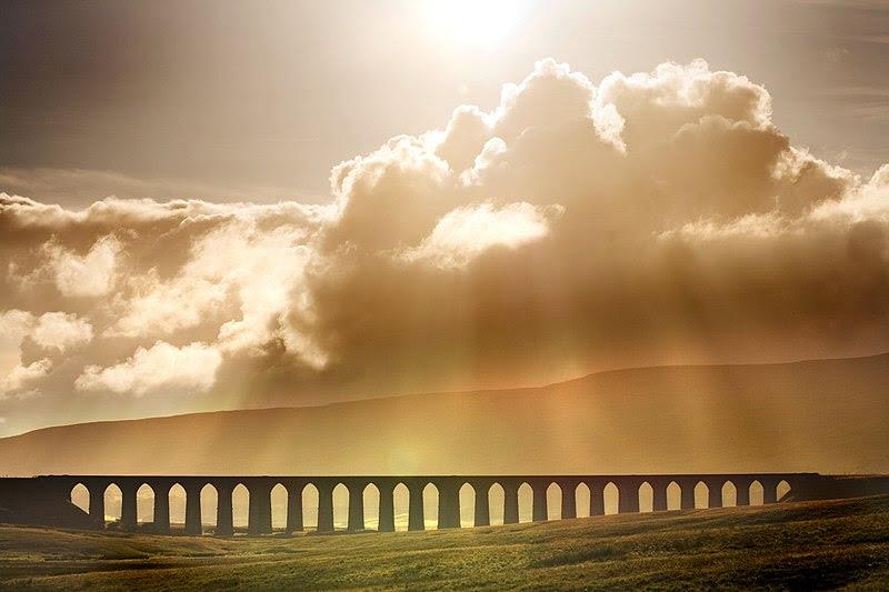 File:Ribblehead Viaduct in North Yorkshire.jpg