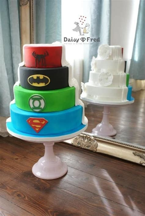 10 Half Nerdy Wedding Cake Ideas   When Geeks Wed   Let