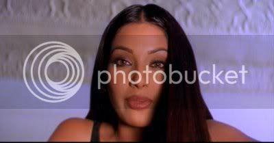 http://i298.photobucket.com/albums/mm253/blogspot_images/Raaz/PDVD_038.jpg