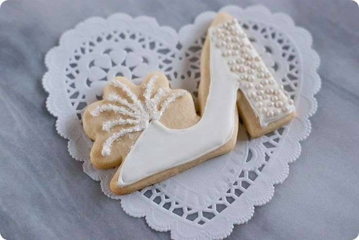 marabou slipper from lingerie decorated cookies for a honeymoon or lingerie-themed bridal shower...or bachelorette party ♥