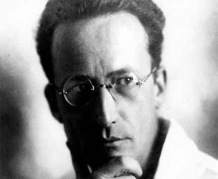 http://www.famousscientists.org/images/Erwin-Schrodinger.jpg