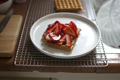 waffles + strawberries