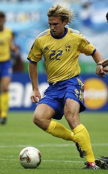 スウェーデン02UMBRO黄青黄.jpg