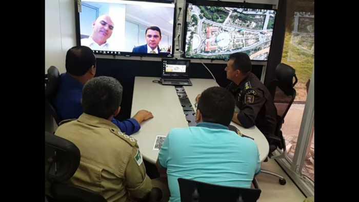 Reunião-por-vídeo-conferência-na-plataforma-de-observação-do-GGI-M-com-o-Secretário-de-Segurança