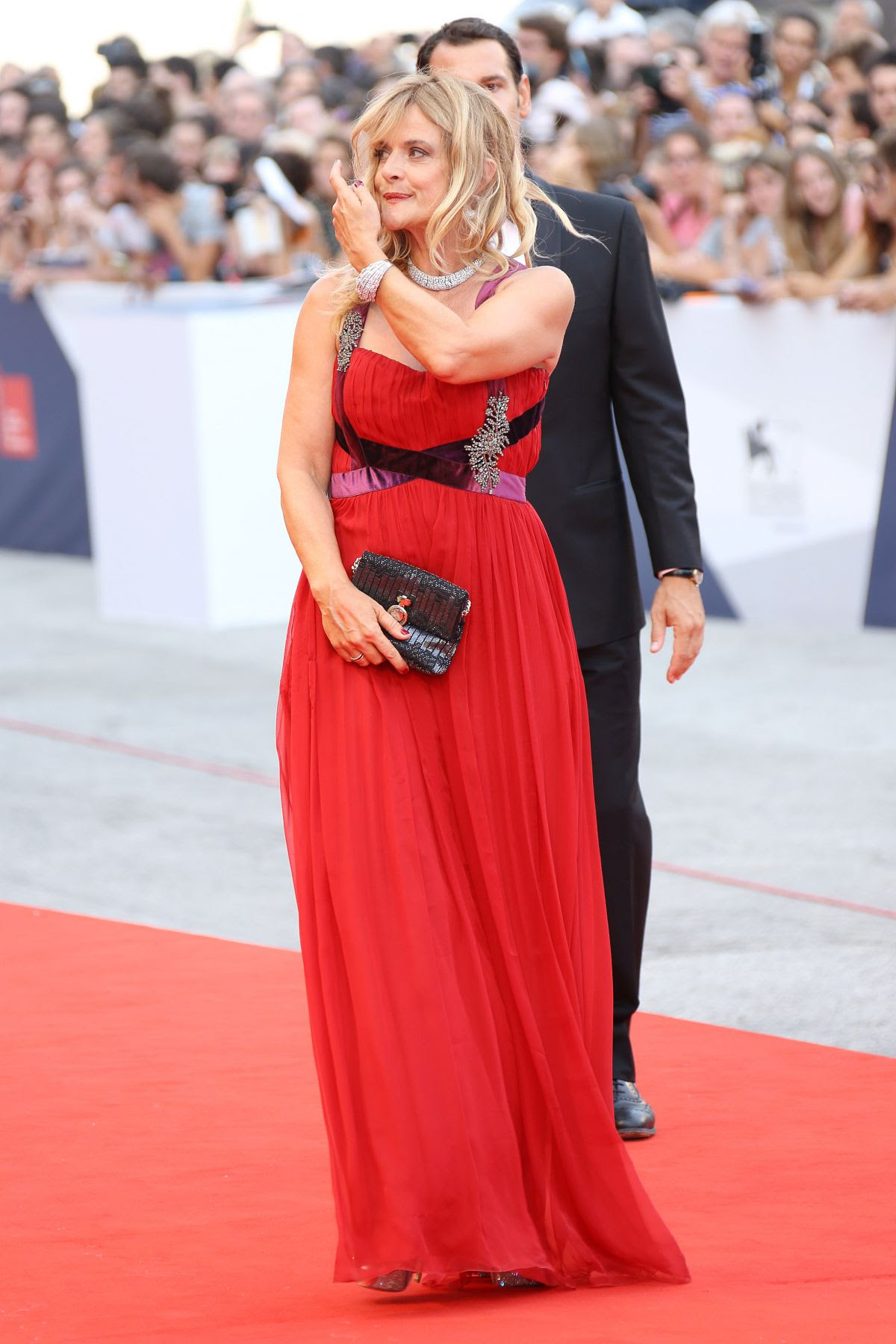 http://www.hawtcelebs.com/wp-content/uploads/2015/09/nastassja-kinski-at-everest-premiere-and-72nd-venice-film-festival-opening-ceremony_2.jpg