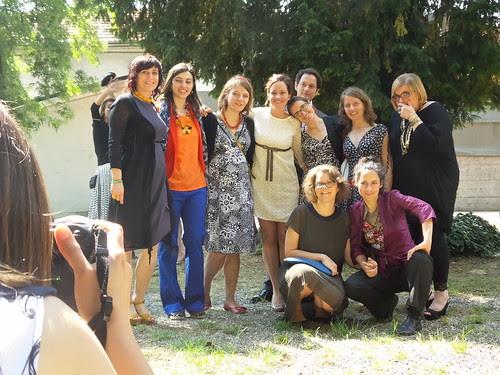 Dietro la foto del gruppo con la sposa by Ylbert Durishti