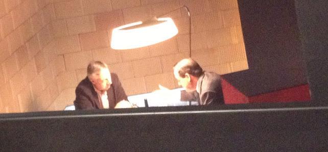 José Blanco y José Bono comiendo en un reservado en el centro de Madrid.