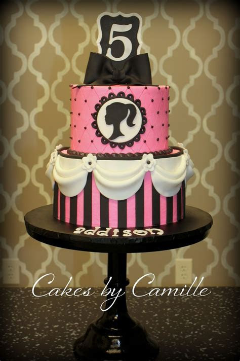 Best 25  Barbie birthday cake ideas on Pinterest   Frozen