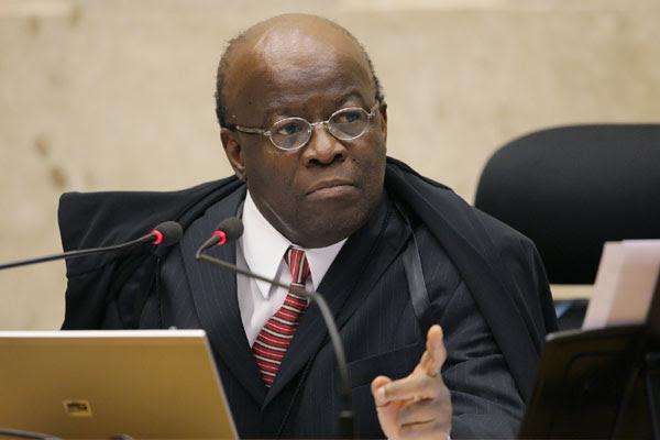 Presidente do Senado, Renan Calheiros, disse que Joaquim Barbosa (foto) comunicou aposentadoria