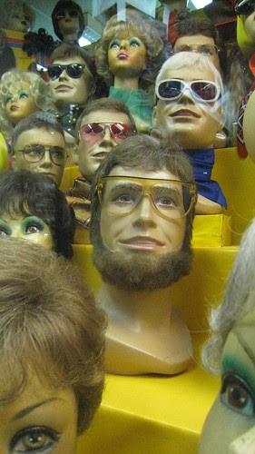 Zweithaar wig shop, Nuremberg Hauptbahnhof
