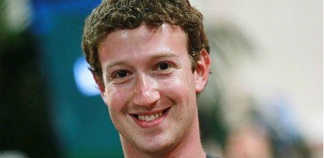 Mark Zuckerberg sugeriu a utilização do Facebook Messenger como alternativa ao WhatsApp / Foto: AFP