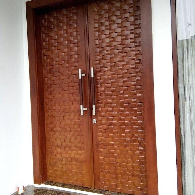 Pintu Rumah Kupu Tarung Minimalis   Ide Rumah Minimalis