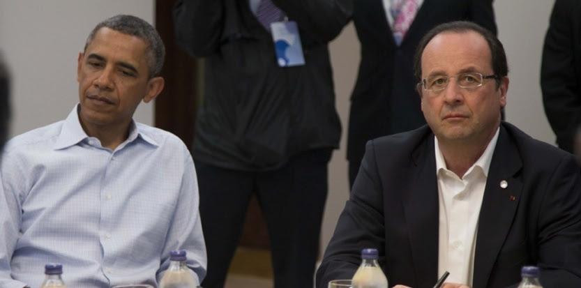 François Hollande et Barack Obama, au sommet du G8, en Irlande, le 18 juin 2013. (IAN LANGSDON/POOL/SIPA)