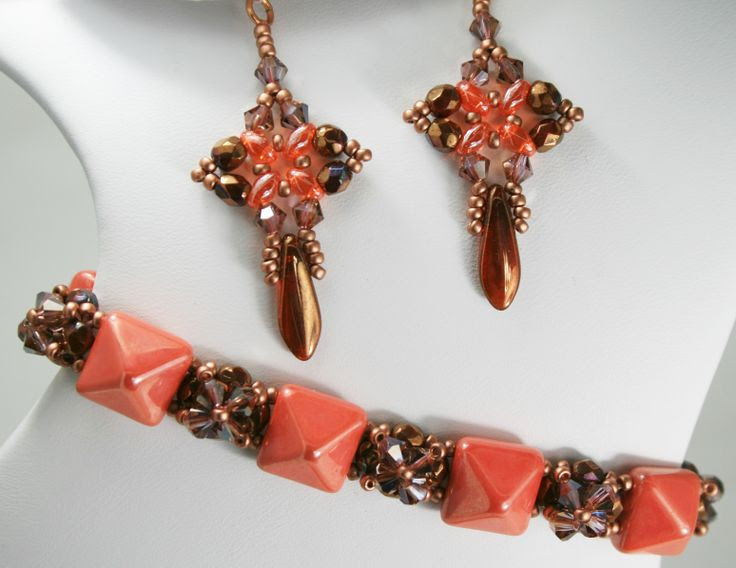 Deb Roberti's FREE Pyramid Band Bracelet done in Celosia Orange. Pattern found here; http://www.aroundthebeadingtable.com/Tutorials/Pyramid.html.  Earrings are from paid tute.   #Seed #Bead #Tutorials