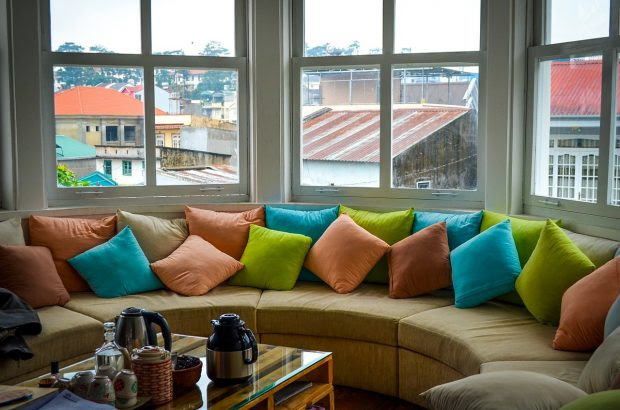 5 Ways To Brings Pops Of Color Into Your Home