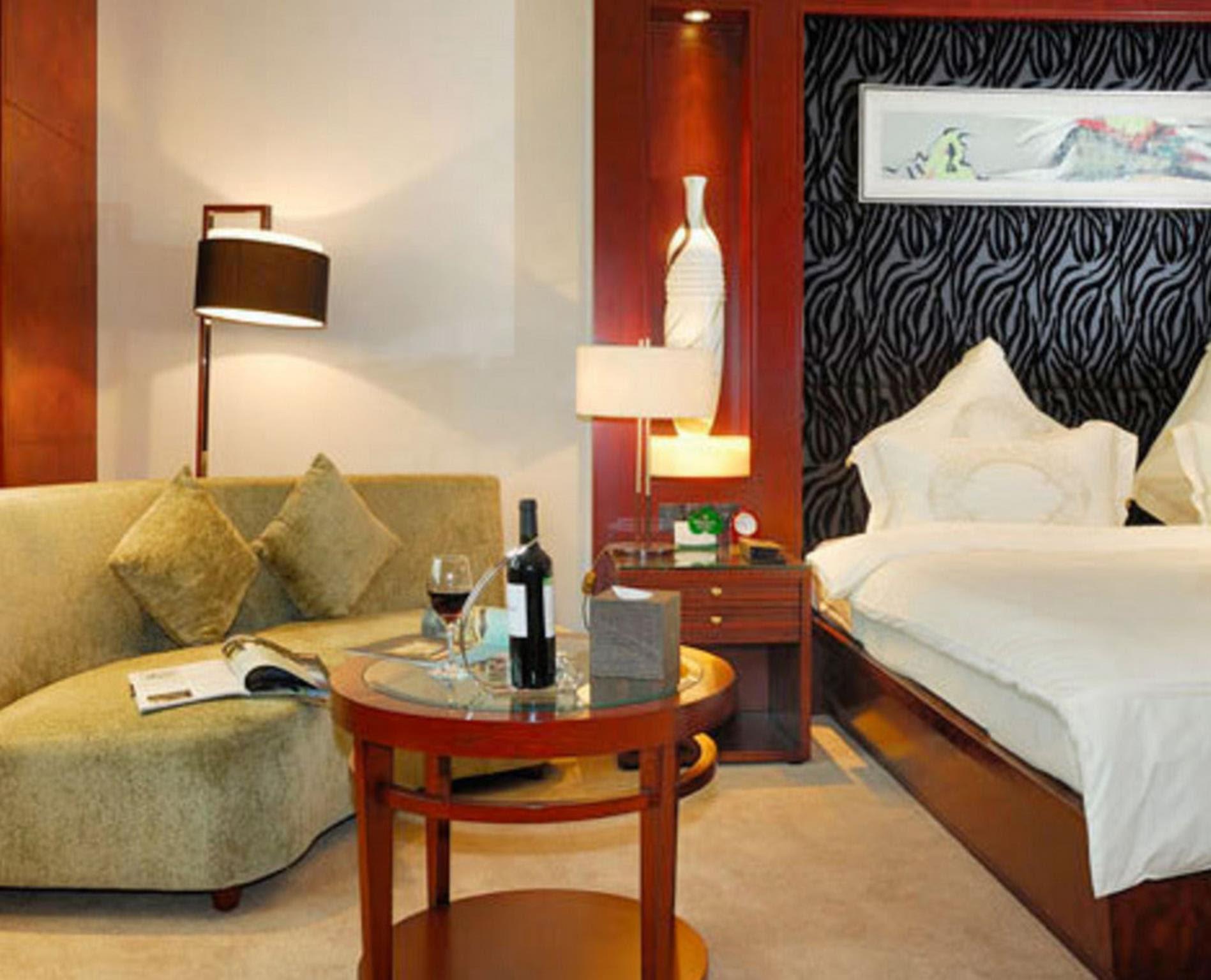 Price Kunshan Yizui Crown Hotel
