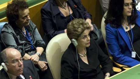 """Mais de um milhão de brasileiros perderam seus empregos e Dilma diz que: """"Todo refugiado que queira trabalhar é bem vindo"""""""