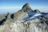 La vetta del monte Kenya, nell'omonimo stato