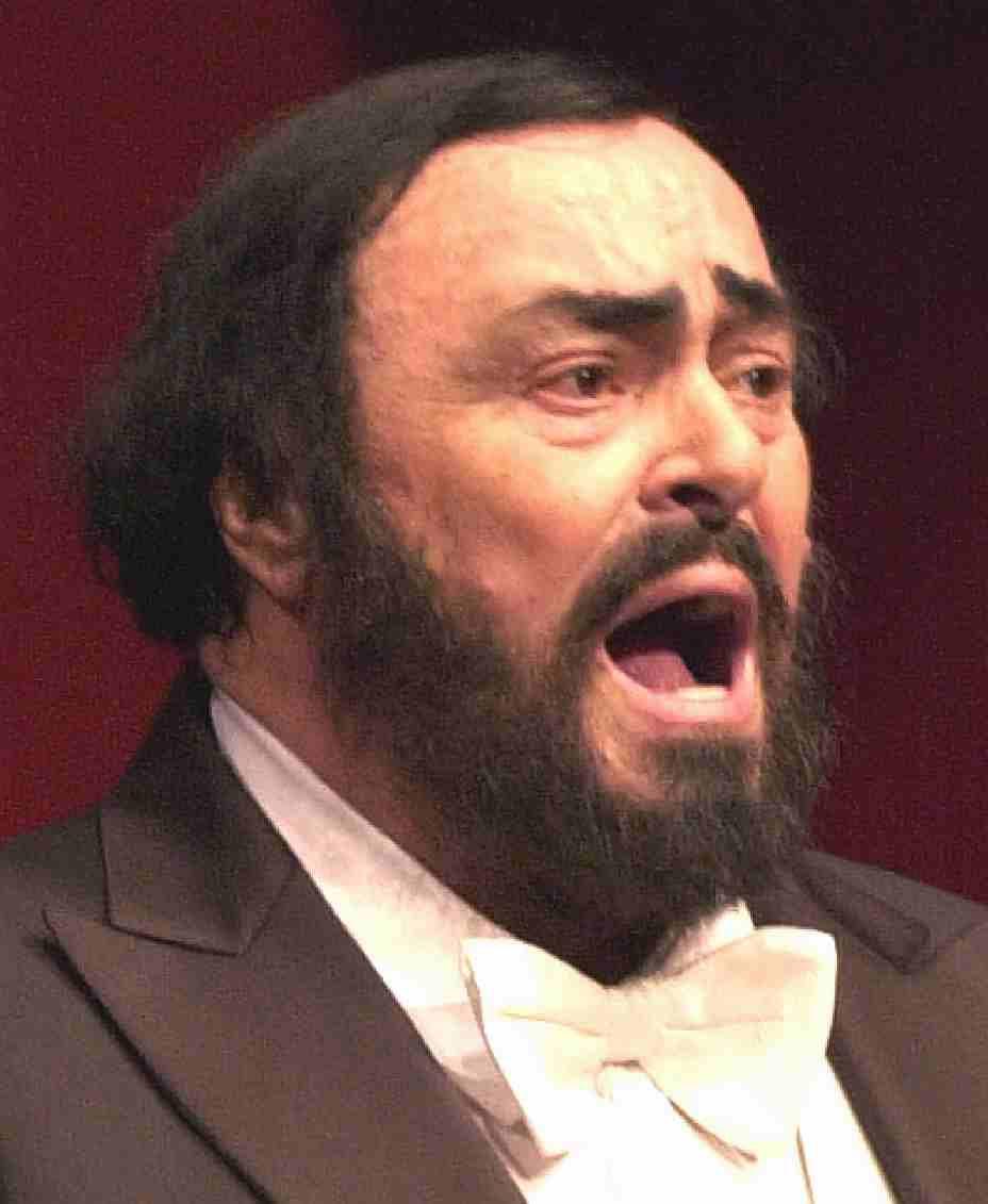 http://www.solarnavigator.net/music/music_images/Pavarotti_operatic_tenor_white_bow_tie.jpg