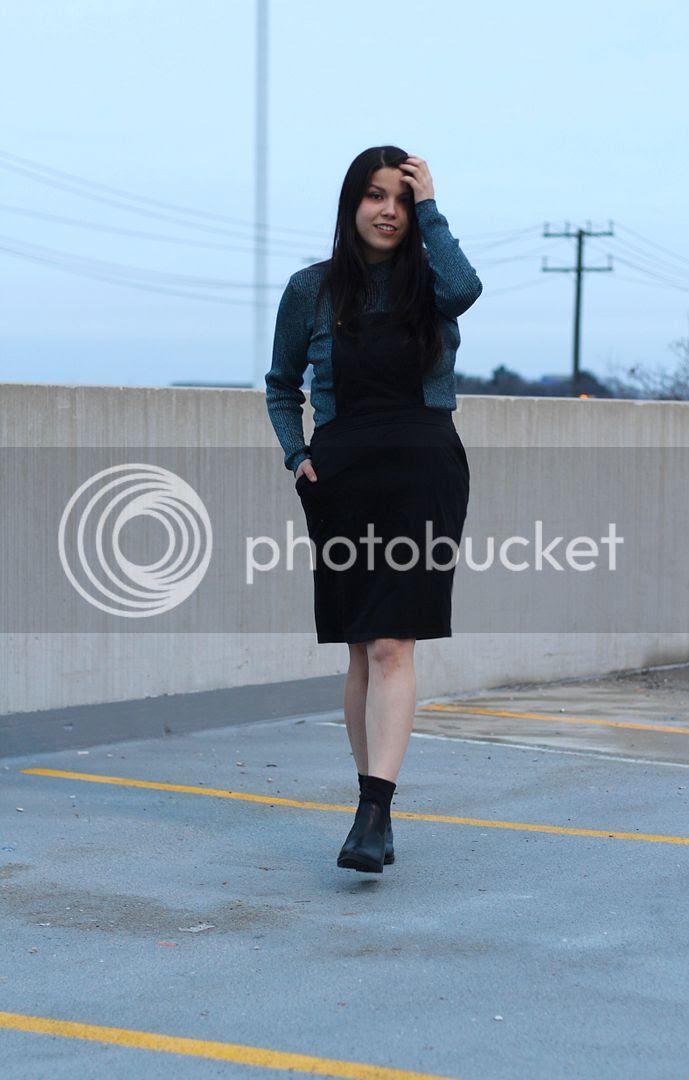 inbetweenie fashion plus size fashion junarose jumper sparkly turtleneck new look black slouchy boots toronto fashion canada
