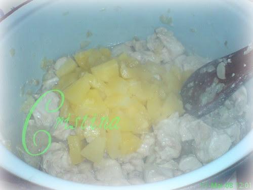 pui cu ananas