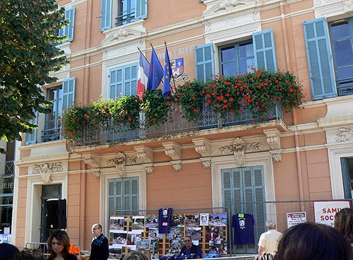 la mairie de Chateauneuf.jpg
