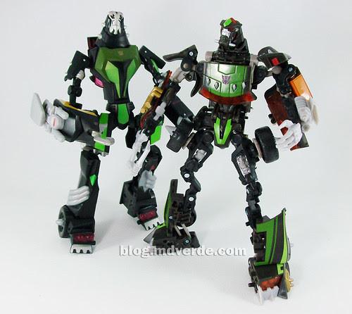 Transformers Lockdown Deluxe RotF NEST vs Animated - modo robot