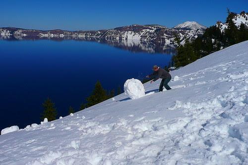 P1080892_2 Tourist and Snowball