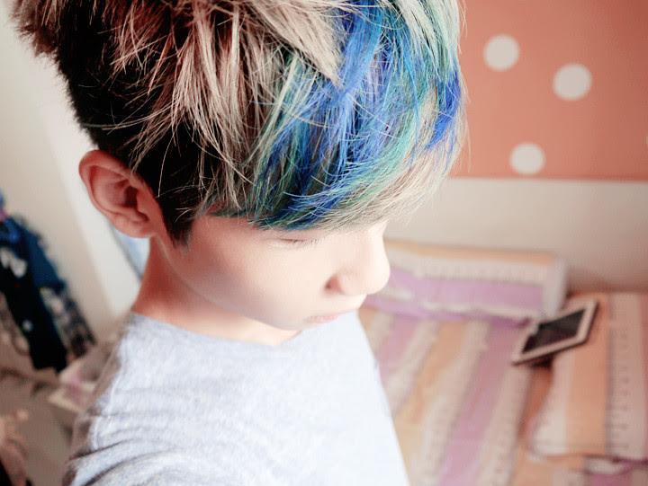 typicalben blue purple highlight hair close up