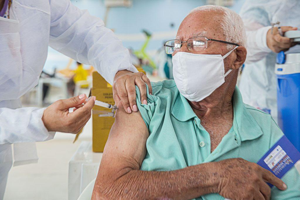 Idosos com 78 anos serão vacinados a partir da próxima segunda em Arapiraca