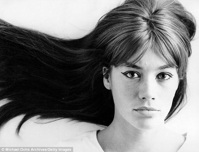 Belle époque Françoise é: um retrato icónico da cantora em 1965