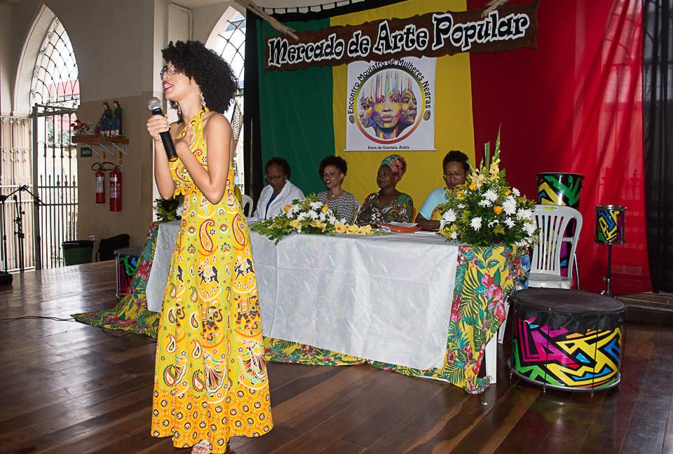 Mulheres negras em Feira de Santana se reúnem para debater empoderamento