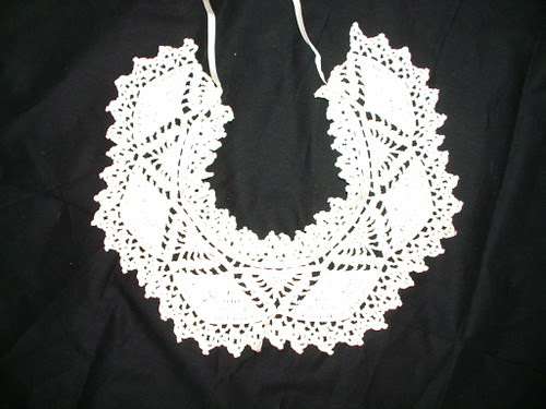 crochet antique collar