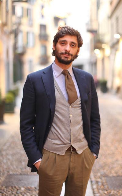 Andrea – barba por aparar gravata por ajeitar (príncipe perfeito)