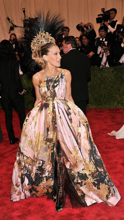 Sarah Jessica Parker Walks Met Gala Red Carpet in Nativity