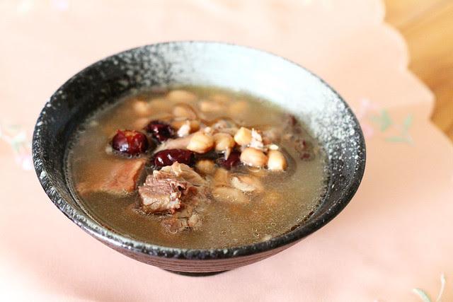 Pork Bone, Peanut & Red Date Soup