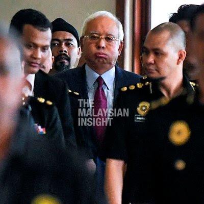 Image result for Foto Najib dalam kandang mahkamah