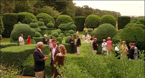 scoop_mansion_garden3