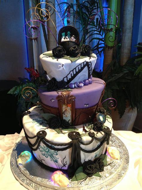 Geek Art Gallery: Sweets: Haunted Mansion Wedding Cake
