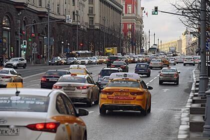 В России предложили установить в такси приборы для контроля сонливости водителей