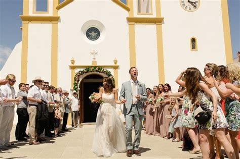 20 Brilliant Songs for Your Wedding Ceremony Exit