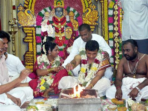 Wedding: Hindu Wedding Traditions