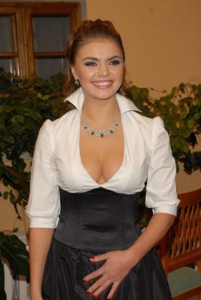 most-gorgeous-female-politicians-alina-kabaeva-1024x1530