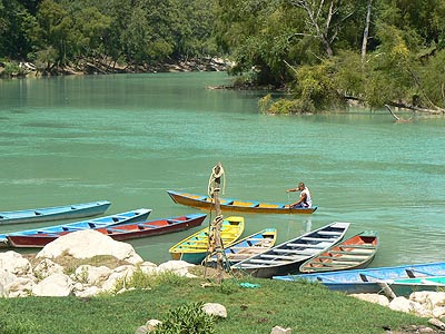 rio et lanchas.jpg