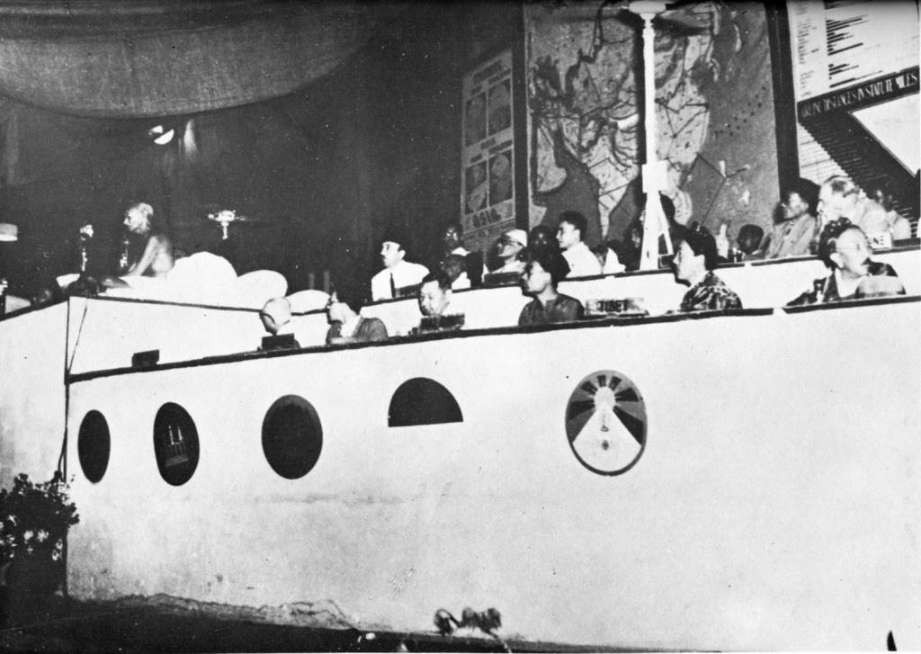 图说:1947年在德里召开的亚内会议。