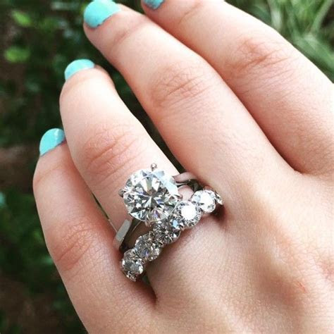 Halo vs. No Halo Engagement Rings   Weddings!   Wedding