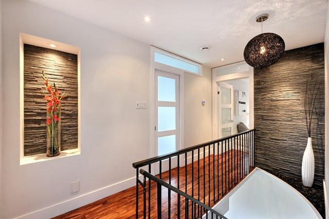 Modern house remodel - Modern - Hall - montreal