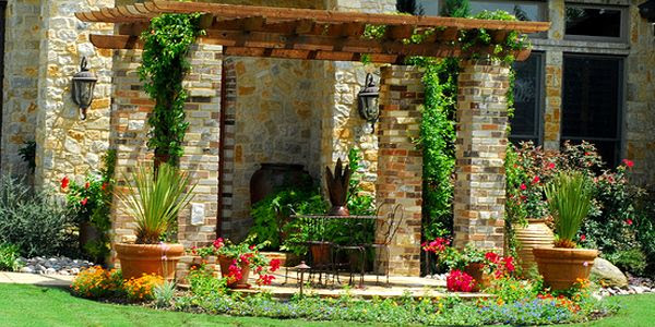 Landscaping Tips For A Perfect Outdoor Ambience | Home Interior Design