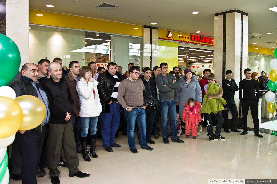 Зрители чемпионата по армрестлингу в РИО 23.02.2013